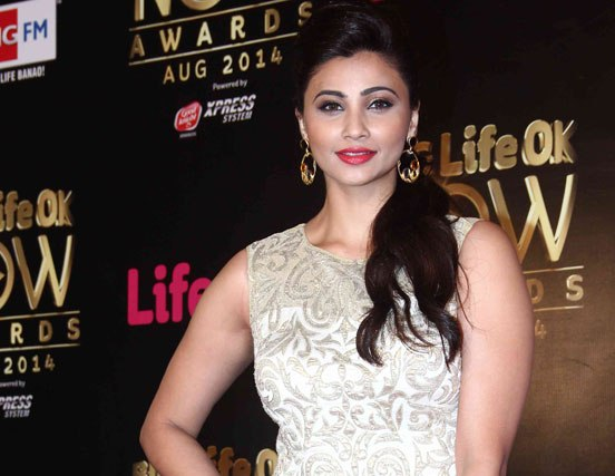 Daisy Shah in Silver White Evening Gown at Big Life OK Now Awards 2014