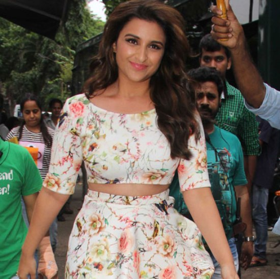 Parineeti Chopra on the Sets of Jhalak Dikhhla Jaa for Promote Daawat-E-Ishq