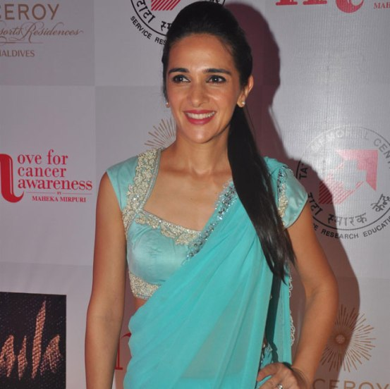 Tara Sharma in Sky Blue Saree at Maheka Mirpuri Fashion Show for Cancer Awareness