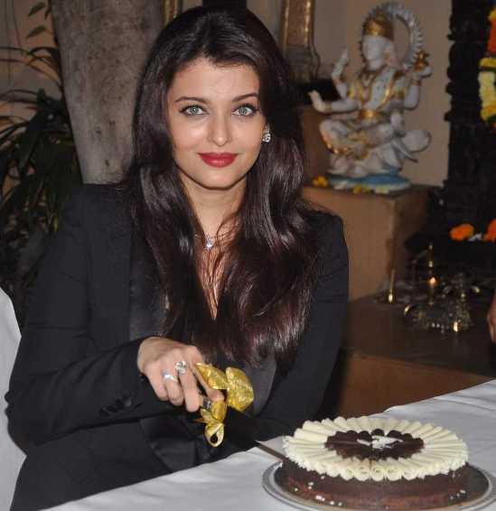 Aishwariya Rai Latest 2014 Photos on 41st Birthday Party in Mumbai
