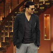Akshay Kumar in Comedy Nights with Kapil to Promote for Holiday Movie