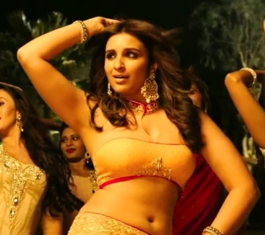 Parineeti Chopra Still Yellow Lehenga Pics in Bol Beliya Song of Kill Dil