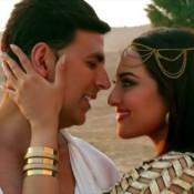 Sonakshi Sinha Romance with Akshay Kumar in Holiday Movie