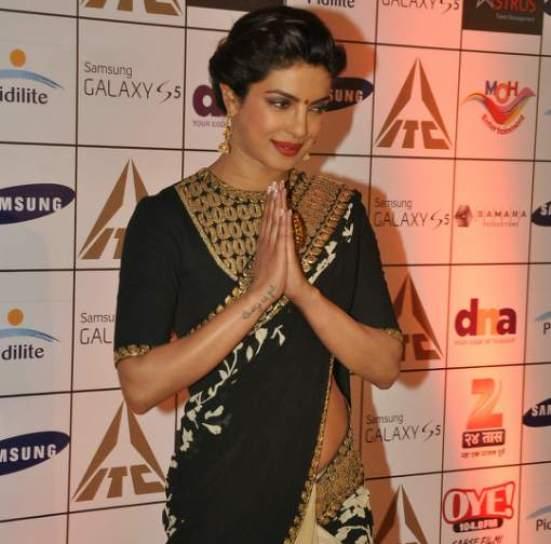 Priyanka Chopra in Black and Golden Saree Pics