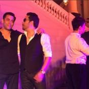 Salman Khan Sing a Song in Arpita Khan Wedding