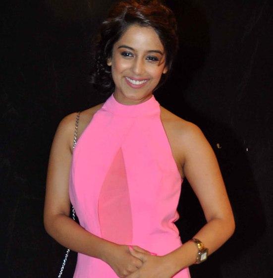 Srishty Rode in Pink Side Cut Gown Dress at Star Parivaar Awards 2014