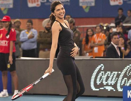 Deepika Padukone Played Tennis with Roger Federer at Inaugural International Premier Tennis League (IPTL)