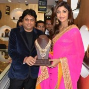 Shilpa Shetty in Pink Saree for Launch PC Jewellers Store in Bareilly