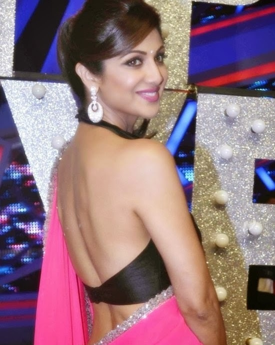 Shilpa Shetty in Backless Blouse Photos – Hot Pics in Designer Backless Saree