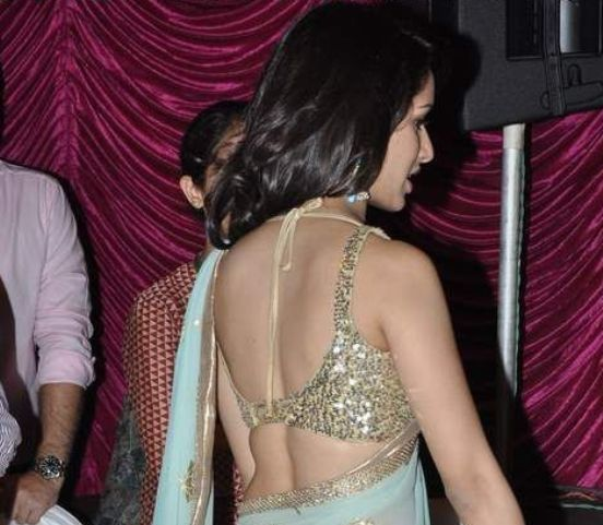Shraddha Kapoor in Backless Blouse Photos – Hot Pics in Designer Backless Saree