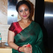 Divya Dutta in Green Cotton Saree Pics at Bharat Ratna Dr Ambedkar Awards 2014