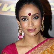 Suchitra Pillai in Saree Pics at Zee Gold Awards 2014
