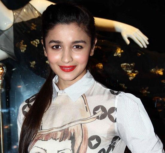 Alia Bhatt in White Pencil Skirt at Launch Of Fashion Brand Diva`Ni