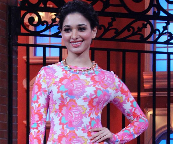 Tamannaah Bhatia in Pink Flower Print Dress for Promote Humshakals Movie