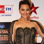 Sonakshi Sinha in Black Lace Gown for Big Star Entertainment Awards 2014
