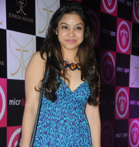Sumona Chakravarti Hot Deep Cleavage Pics in Blue Dress