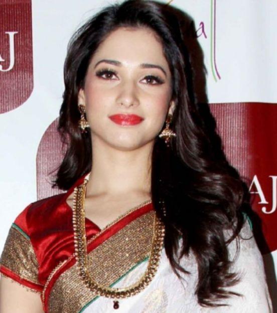 Tamanna bhatia in red saree