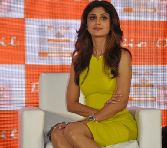 Shilpa Shetty in Green Yellow Short Tight Dress Photos – Sexy Legs Show Pics