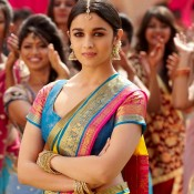 Alia Bhatt in Traditional South Indian Saree Photos – Cute Charming Pics from TWO STATES Movie