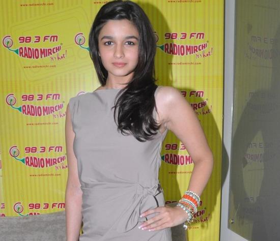 Alia Bhatt in Gray One Piece at Radio Mirchi FM for Student of the Year Movie Promotion