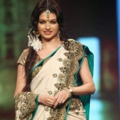 Bhagyashree in White Saree Pics 2014 Images