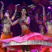 Deepika Padukone Hot Navel Show and Sexy Legs Pictures in Pink Orange Lehenga during Dance Performance at IIFA Awards 2014