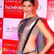 Deepika Padukone Hot Navel Show Pics in Saree Images – Bold Photos