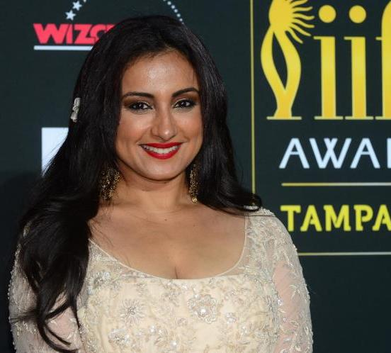 Divya Dutta Deep Cleavage Hot Images Bold Photos at IIFA Awards 2014