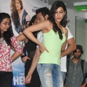 Kriti Sanon Cute Armpits and Milky Arms Show in Heropanti Hindi Film Promotion with Tiger Shroff