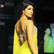 Priyanka Chopra in Backless Blouse Photos – Hot Pics in Designer Backless Saree