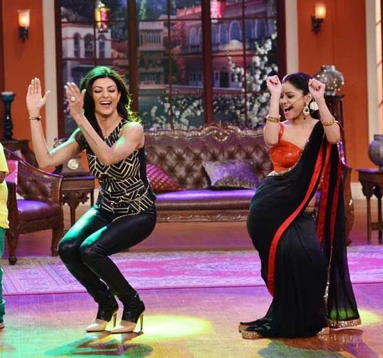 ... Comedy Nights with Kapil, Sumona Chakravarti was spotted in Hot Black