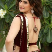 Zarine Khan in Backless Blouse Photos – Hot Pics in Designer Backless Saree