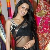 Geeta Basra Hot Navel Show in Transparent Black Saree