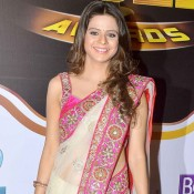 Rucha Gujrati in White Transparent Net Saree Pics at 7th Boroplus Zee Gold Awards 2014