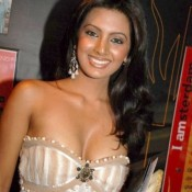 Geeta Basra Hot Deep Cleavage Pics in off Shoulder White Cream Dress Gown