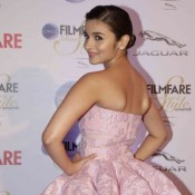 Alia Bhatt in Pink Gown at Filmfare Glamour and Style Awards 2015