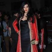 Sona Mohapatra in Black and Red Gown at 60th Britannia Filmfare Awards 2015