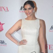 Sonam Kapoor at Femina Beauty Awards 2015 Photos