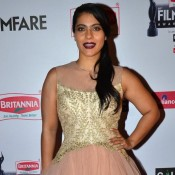 Kajol Devgan in Pink Princess Gown at 60th Britannia Filmfare Awards 2015