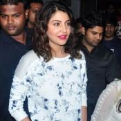 Anushka Sharma Promote NH10 Movie in NM College