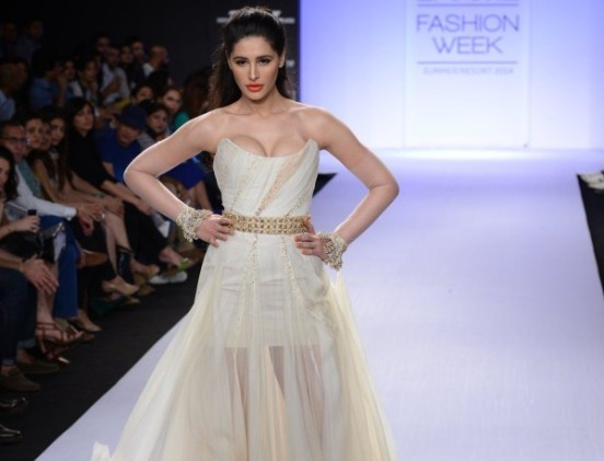 Nargis Fakhri Hot Deep Cleavage Pics in White Off shoulder Dress at Lakme Fashion Week 2014