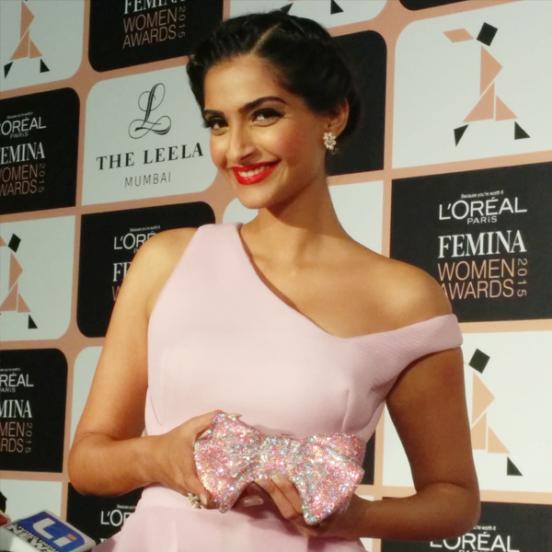 Bollywood Celebs at L Oreal Paris Femina Women Awards 2015 Photos