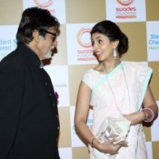 Shweta Bachchan in Cream White Saree with Amitabh Bachchan at Launch of Van Heusen Spring Summer 2014