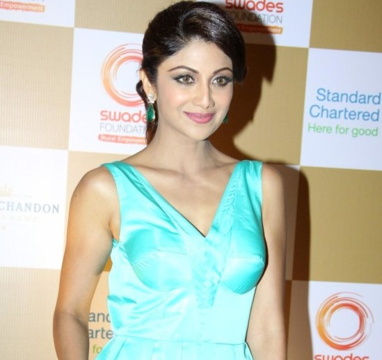 Shilpa Shetty Hot in Blue Teal Gown with Plunging Neckline at The Swades Fundraiser