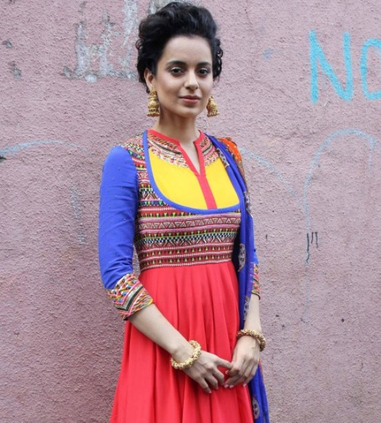 Kangana Ranaut in Peach Blue Anarkali Dress at India's Got Talent for Queen Movie Promotion