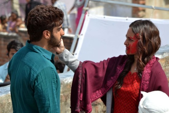 Sonakshi Sinha and Arjun Kapoor during Shooting of Tevar Hindi Movie in Agra