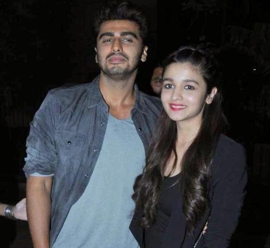 Alia Bhatt and Arjun Kapoor For Promotion of 2 States at Korum Mall in Mumbai