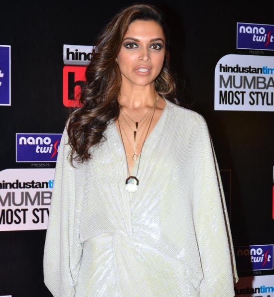 Deepika Padukone in White Gown at HT Mumbai Most Stylish Awards 2014