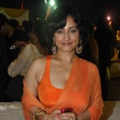 Divya Dutta in Saree Pics – Hot Photos in BLACK RED ORANGE & PINK Saree