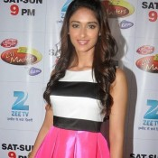 Ileana D'Cruz and Varun Dhawan on the Sets of DID Li'l Masters for Main Tera Hero Movie Promotion